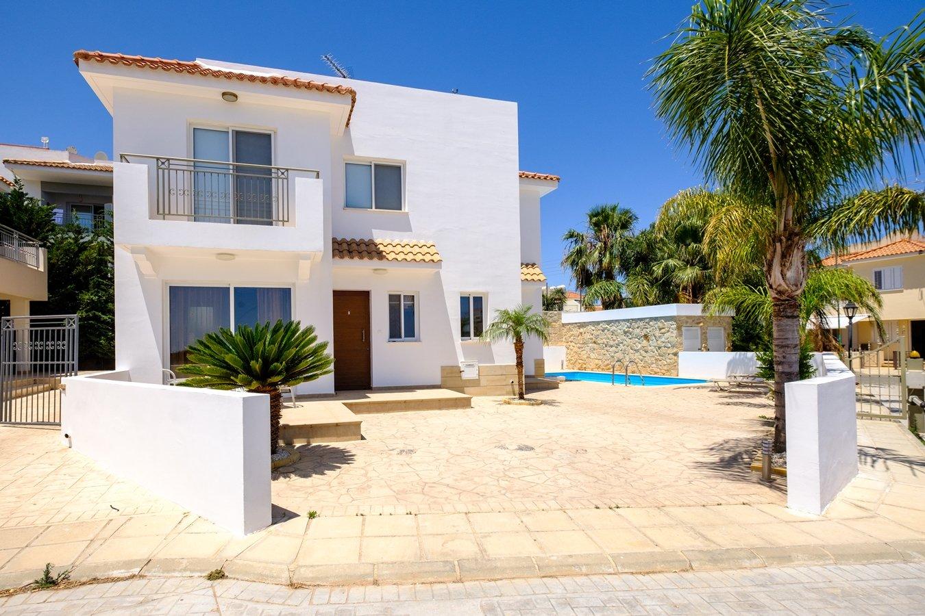 villa for sale in protaras