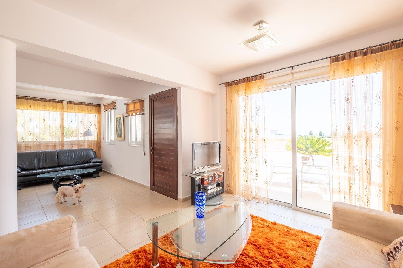3 bedroom villa paralimni