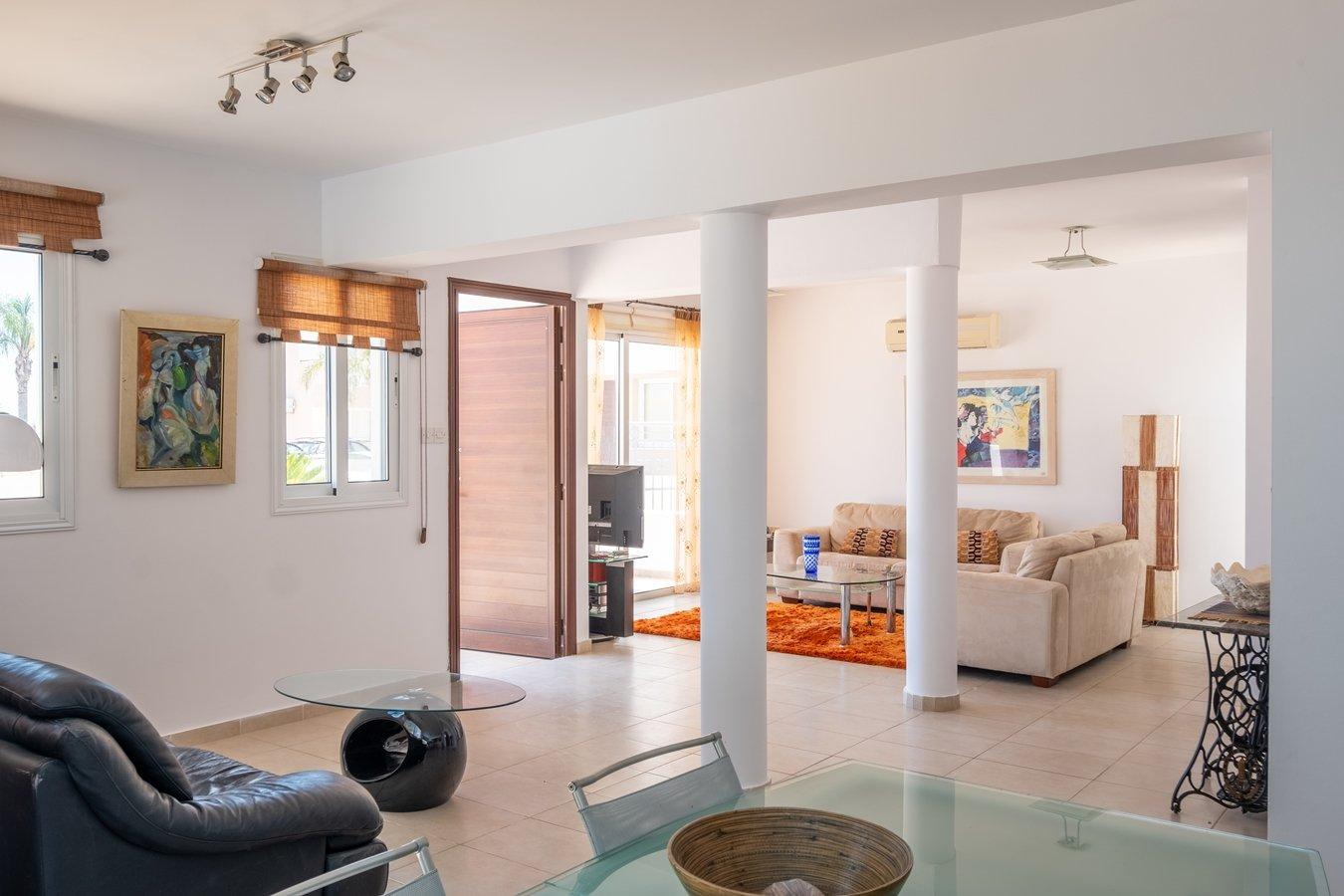 paralimni villa for sale