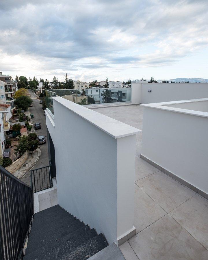 Roof garden makedonitisa apartment for sale
