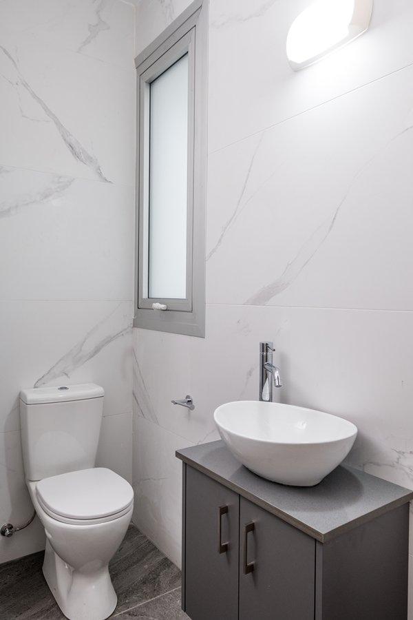 bathroom apartment for sale